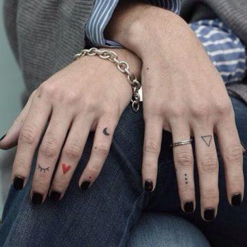Значение тату на пальцах